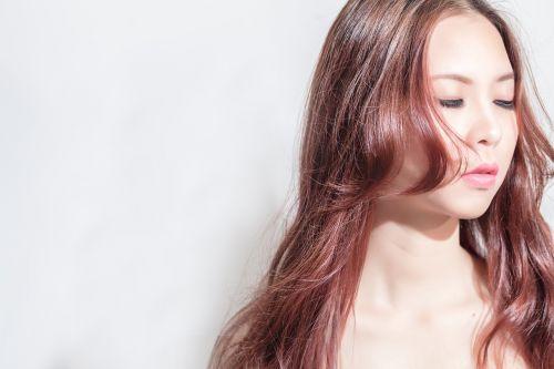 Saison hivernale : comment prendre soin de ses cheveux ?